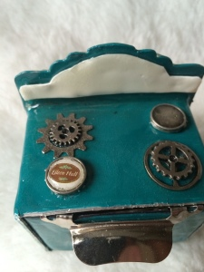 Eileen Hull Vintage oven